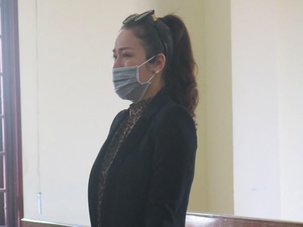 VKS kháng nghị, cho chồng cũ tiếp tục nuôi con vì Nhật Kim Anh là diễn viên, ca sĩ nên không có nhiều thời gian