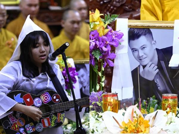 Xót xa cảnh con gái Vân Quang Long khóc nghẹn, ôm đàn hát tiễn biệt ba lần cuối tại lễ tang