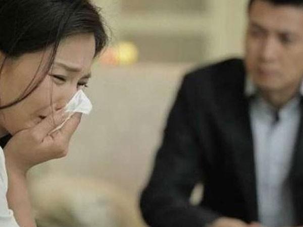 Đàn bà ly hôn: Buông tay để chọn cho mình một cuộc sống tốt hơn - Ảnh 1