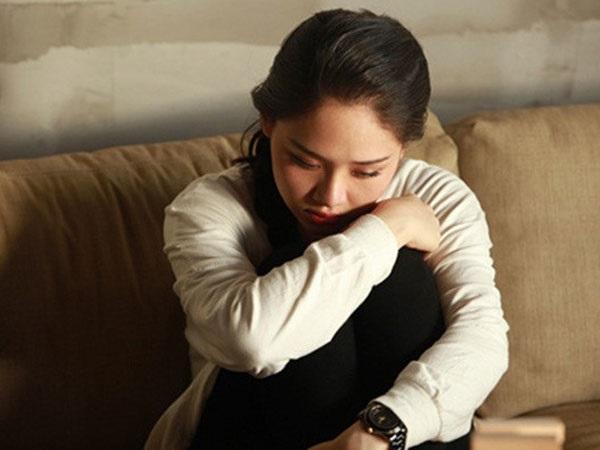 Đàn bà một đời chồng: Bề ngoài bình lặng nhưng tâm hồn đầy vết xước - Ảnh 1