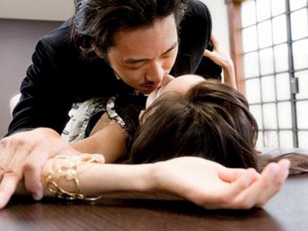 Đàn ông ngoại tình chỉ nghĩ đến khoái lạc chứ không bao giờ bận tâm đến nỗi đau của vợ - Ảnh 2