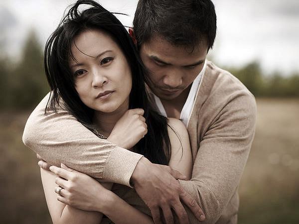 Chỉ có đàn ông nông cạn mới coi trọng thiên hạ hơn vợ mình - Ảnh 1