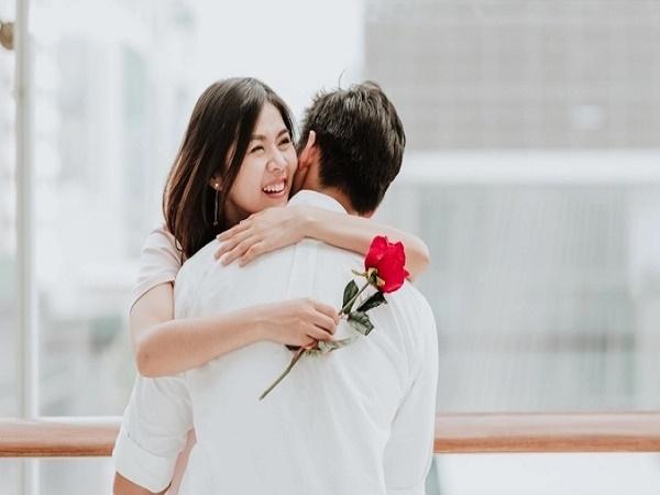 Gửi đàn bà một đời chồng: Đừng sợ miệng lưỡi người đời, nếu gặp được người tốt hãy cứ yêu