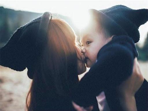 Gửi mẹ đơn thân: Lấy nụ cười của con để làm động lực vượt qua tất cả