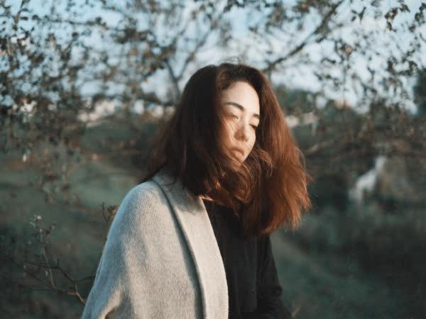 Gửi những người đàn bà cam chịu sống với chồng tệ bạc: Có đủ nước mắt để khóc cả đời?