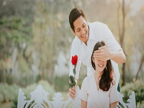 Hôn nhân hạnh phúc không do sự sắp đặt của định mệnh mà nhờ sự cố gắng của mỗi người
