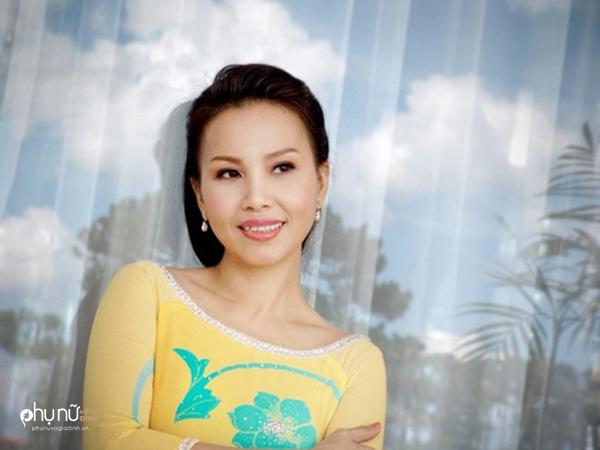 Giải mã bí ẩn nốt ruồi giúp mỹ nhân Việt kiếm tiền 'đè chết người' - Ảnh 14