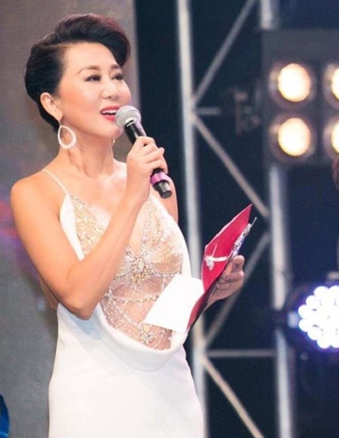 Nữ MC tuổi U60 - Nguyễn Cao Kỳ Duyên