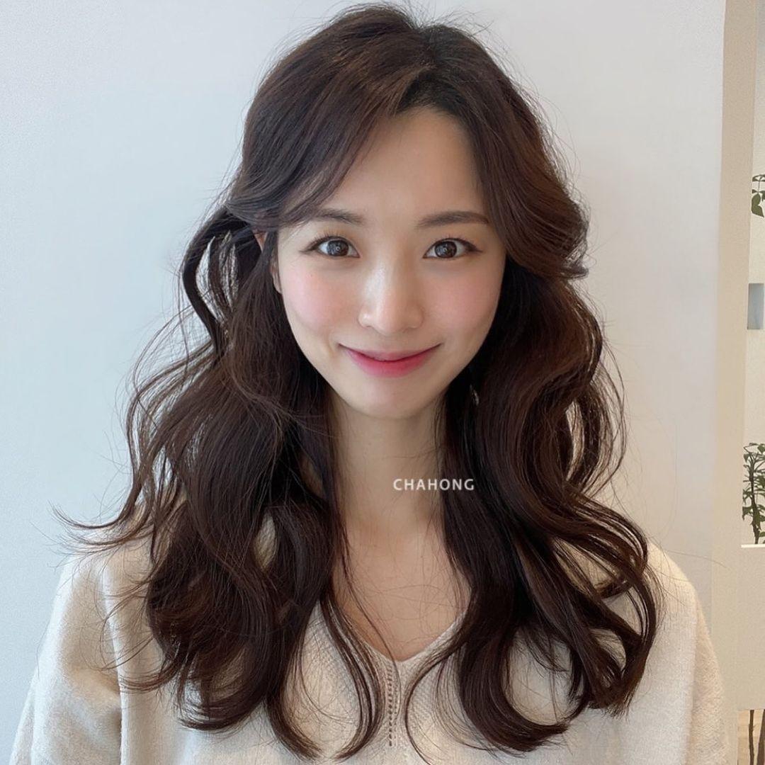 3 kiểu tóc xoăn không hề già, còn 'phù phép' tóc mỏng thành dày dặn bồng bềnh dành riêng cho phe tóc dài - Ảnh 6