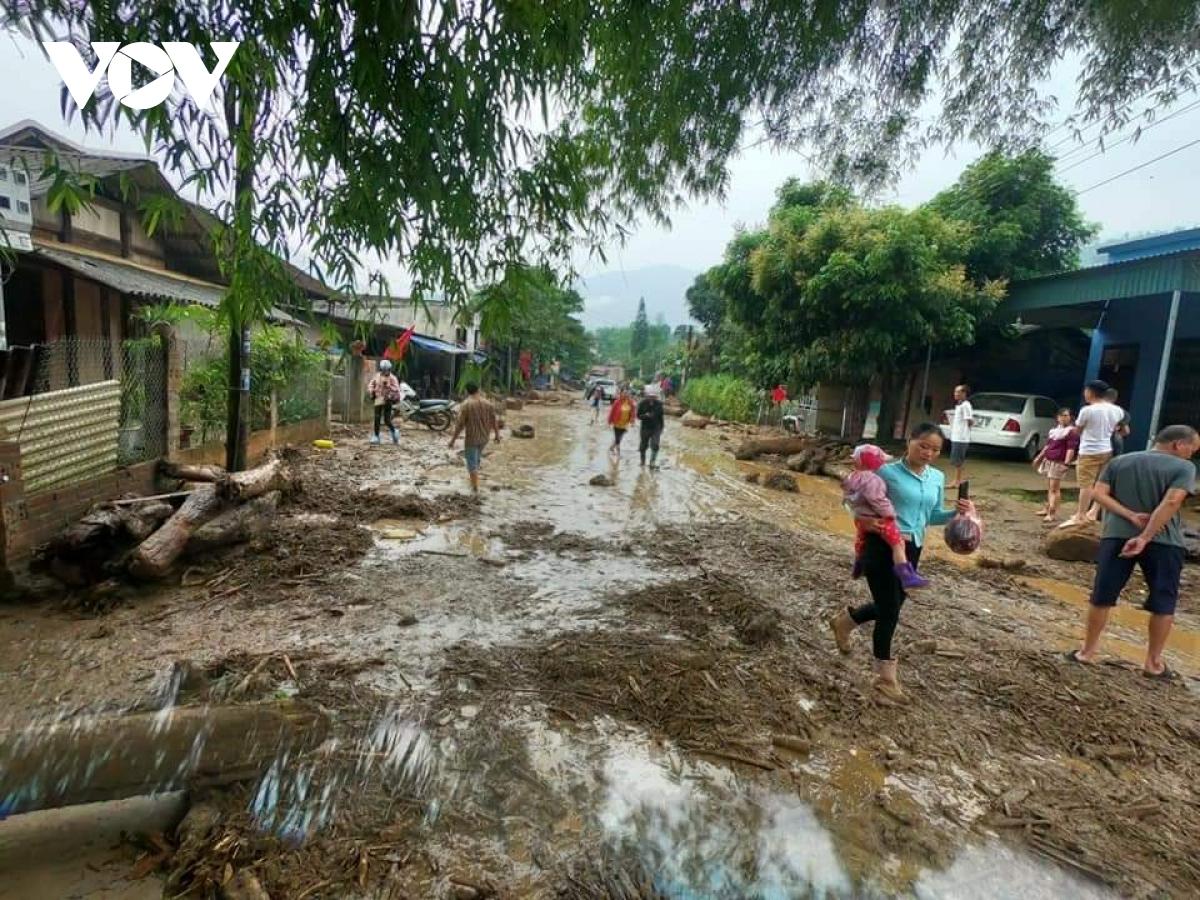 Lũ ống bất ngờ ở Lào Cai khiến 2 người chết, 1 người mất tích - Ảnh 2
