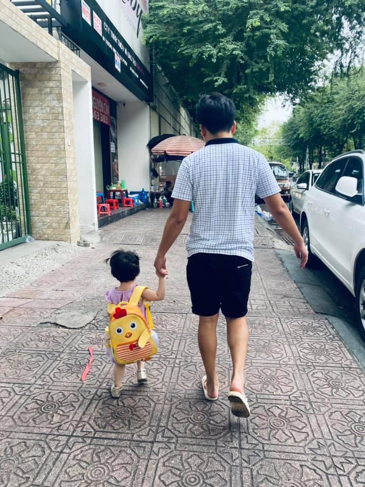 Con gái Nhã Phương hiếm hoi lộ diện, cộng đồng mạng rần rần 'tướng tá y chang ba Giang' - Ảnh 3