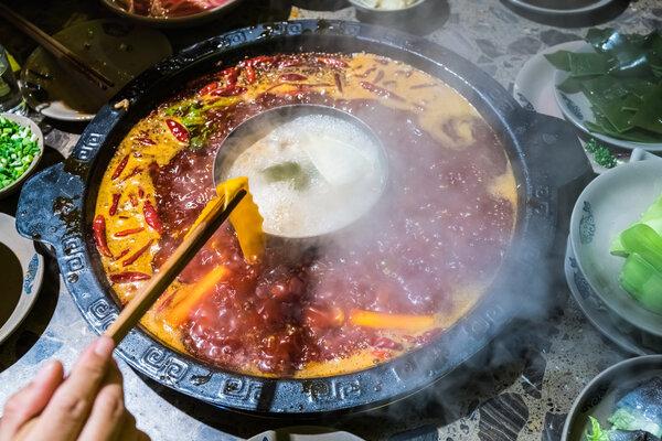 Gia vị sẵn có trong bếp Việt được công nhận có thể giảm nguy cơ ung thư 23%, kéo dài tuổi thọ - Ảnh 1