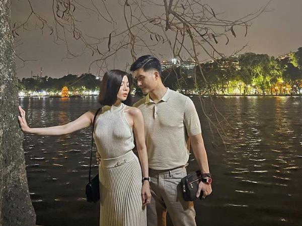 Lệ Quyên gây chú ý khi diện váy 'không nội y' bên tình trẻ Lâm Bảo Châu