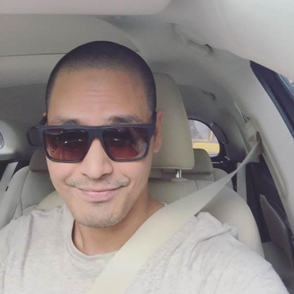 MC Phan Anh bất ngờ cạo trọc đầu sau chuyến đi Châu Phi - Ảnh 2