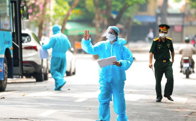 Chiều 19/9: 3 nhân viên y tế ở Bệnh viện Bệnh Nhiệt đới TW nhiễm Covid-19, Hà Nội thêm 19 ca mắc mới - Ảnh 1