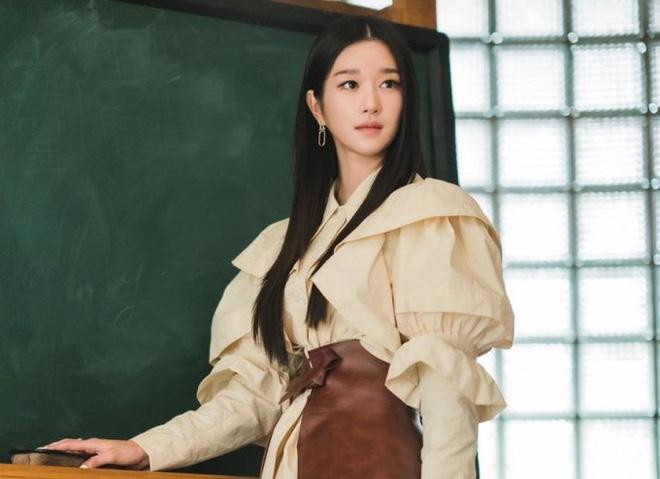 """Ai ngờ nhờ scandal thao túng tài tử Hạ Cánh Nơi Anh, """"điên nữ"""" Seo Ye Ji vượt mặt được cả BLACKPINK ở điểm này - Ảnh 1"""