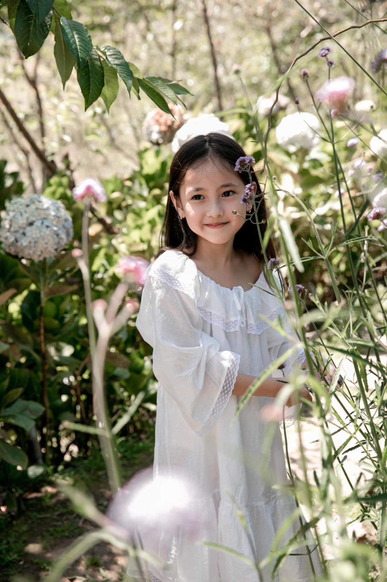 Hoa hau Ha Kieu Anh 1