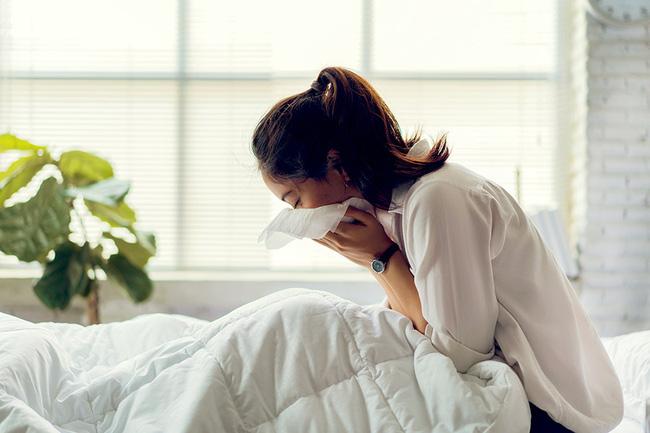 Đau đớn đến mức chỉ muốn gọi cấp cứu hay tâm trạng luôn cáu gắt, 90% chị em mắc phải hội chứng này trước kỳ kinh nguyệt - Ảnh 4