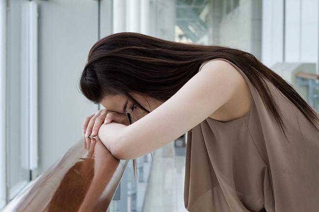Đau đớn đến mức chỉ muốn gọi cấp cứu hay tâm trạng luôn cáu gắt, 90% chị em mắc phải hội chứng này trước kỳ kinh nguyệt - Ảnh 3