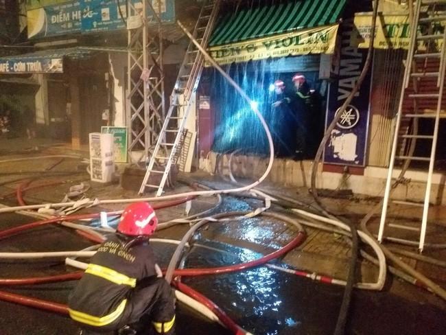 TP.HCM: Cháy nhà giữa đêm, 2 người tử vong thương tâm
