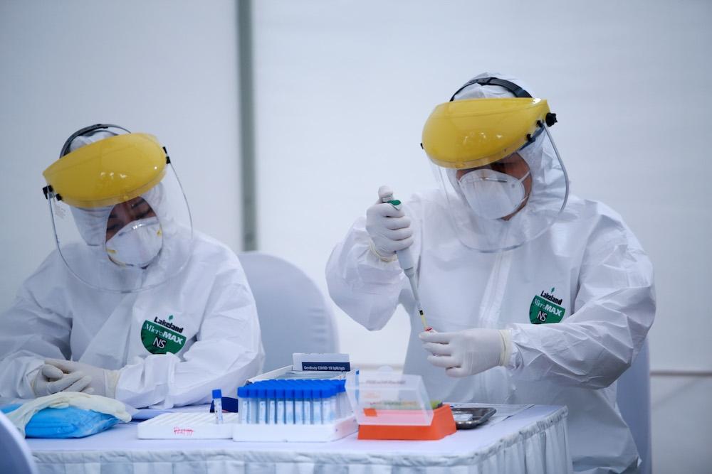 Trưa 2/8, Hà Nội ghi nhận thêm 52 ca mắc COVID-19, một trường hợp là nhân viên khu cách ly