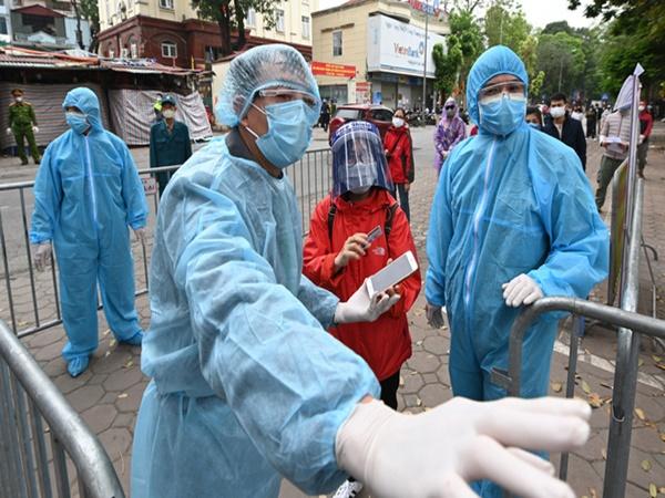 Thứ trưởng Bộ Y tế: 'Tình hình dịch bệnh ở Đồng Nai diễn biến phức tạp, cần chuẩn bị kịch bản cho tình huống xấu nhất'