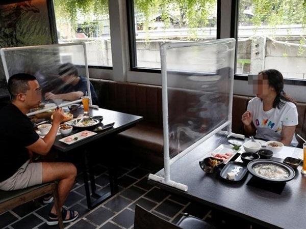 Những tiêu chí để các cơ sở kinh doanh dịch vụ ăn uống tại TP.HCM được mở bán tại chỗ