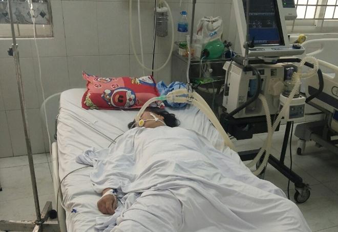 Ăn sam biển, người phụ nữ 56 tuổi ở Cà Mau phải nhập viện vì ngưng tim, ngưng thở