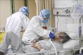 Tình hình sức khỏe của lễ tân khách sạn và 4 chuyên gia Ấn Độ mắc COVID-19: Có tổn thương kính mờ nhưng chưa phải thở máy hay ôxy
