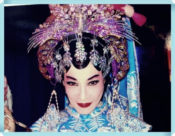 Quái kiệt tuồng cổ Bo Bo Hoàng: Cuộc sống mưu sinh vất vả sau ánh hào quang sân khấu ở tuổi 74 - Ảnh 1