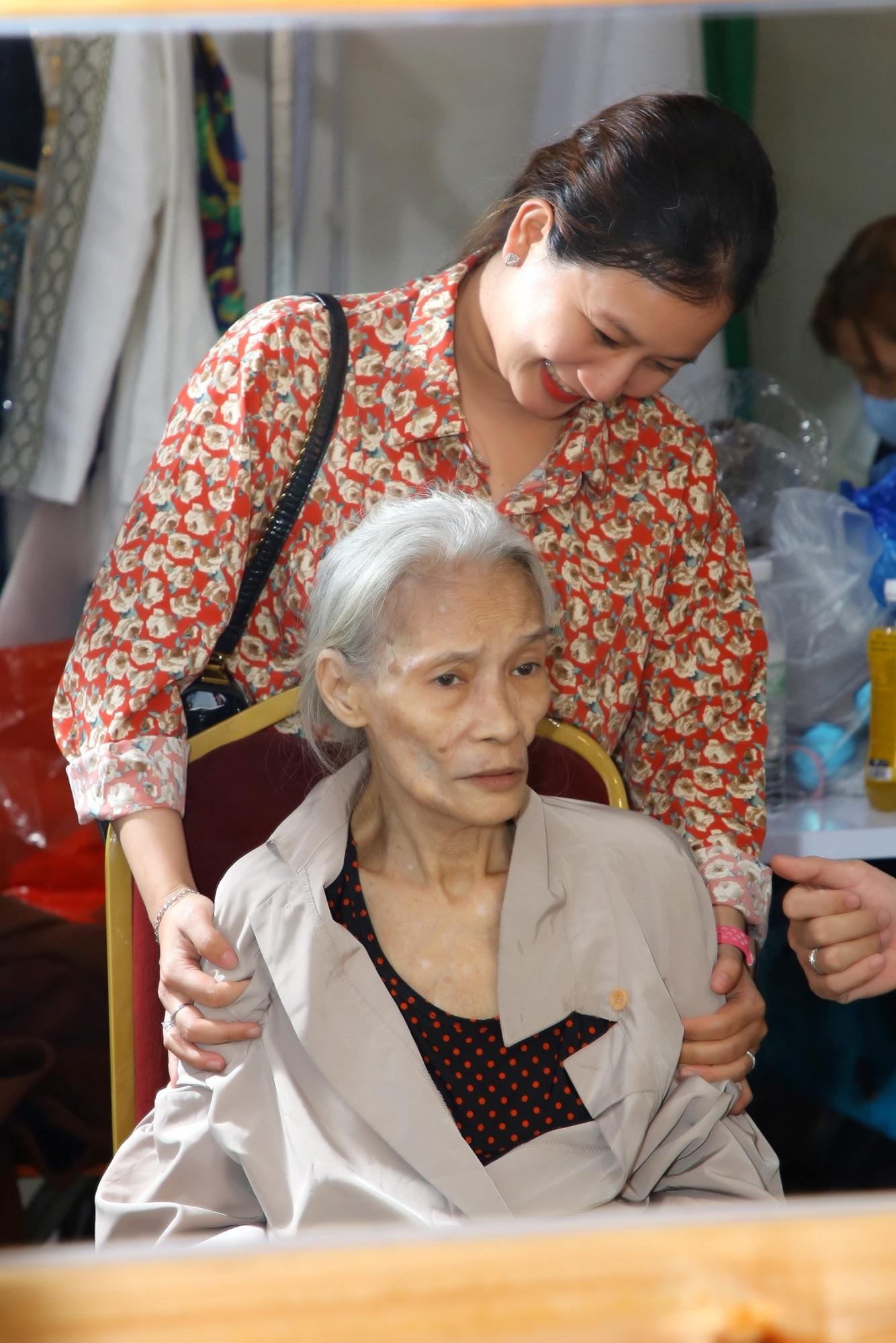 Quái kiệt tuồng cổ Bo Bo Hoàng: Cuộc sống mưu sinh vất vả sau ánh hào quang sân khấu ở tuổi 74 - Ảnh 4