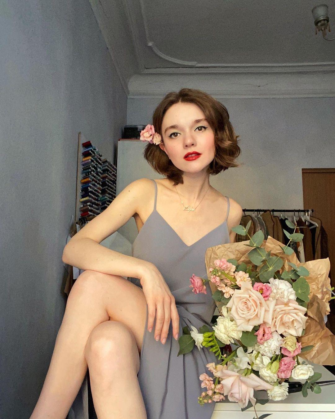 4 tips mặc đẹp tôn dáng từ cô nàng người Nga cao 1m50: Chỉ cần vài món chủ chốt là đủ cân hết các style - Ảnh 13