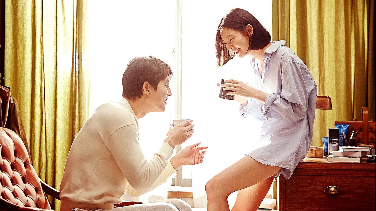 Chồng bất ngờ 'ỉu xìu' khi vợ đưa ra một vật trong lúc cả hai đang hừng hực nhập cuộc 'vui' - Ảnh 3