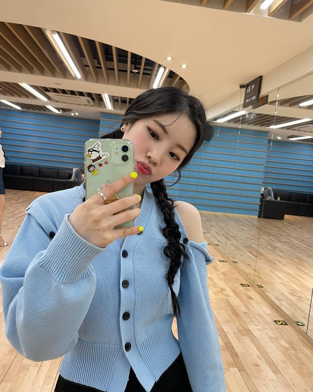 Kiểu tóc 'cưa sừng' được loạt mỹ nhân châu Á lăng xê: Song Hye Kyo và Angela Baby đều có cú nhảy vọt nhan sắc - Ảnh 7