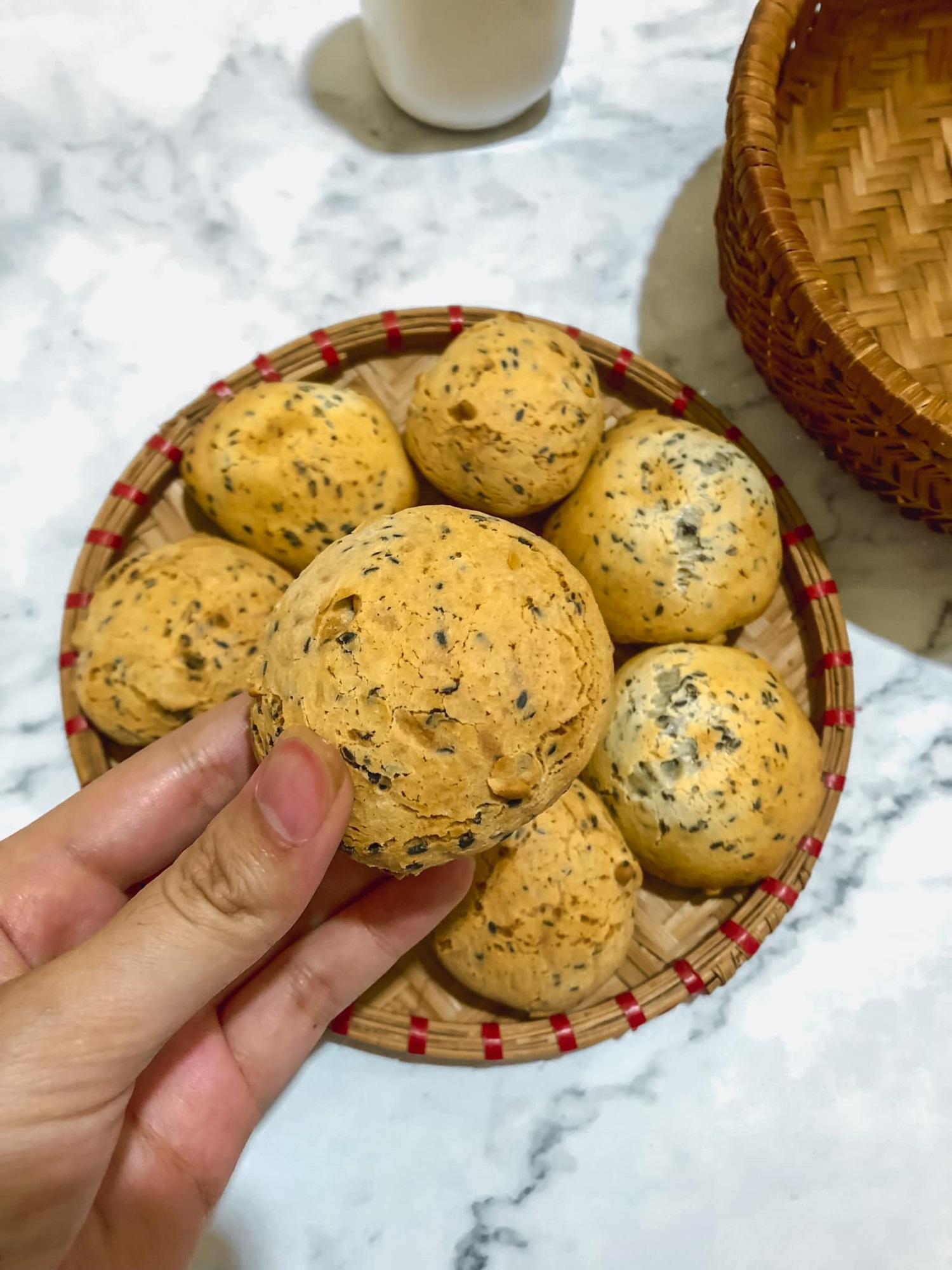 'Chị đẹp' chia sẻ bí quyết làm bánh mì mè đen Hàn Quốc bằng nồi chiên không dầu cực đơn giản - Ảnh 4