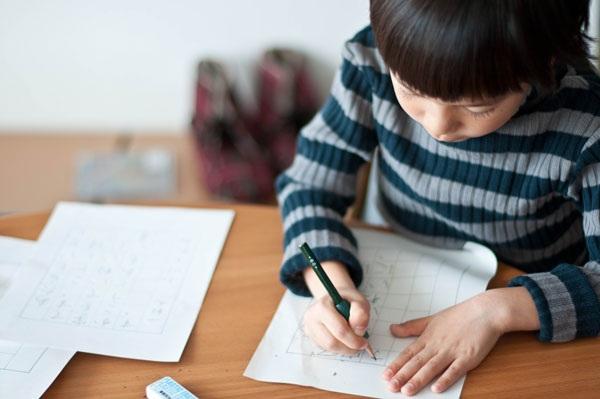 Dạy con chủ động làm bài về nhà cha mẹ không thể bỏ qua 11 điều này - Ảnh 3