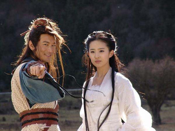 Cặp đôi 'Tiểu Long Nữ - Dương Quá' đẹp nhất màn ảnh hội ngộ sau 13 năm