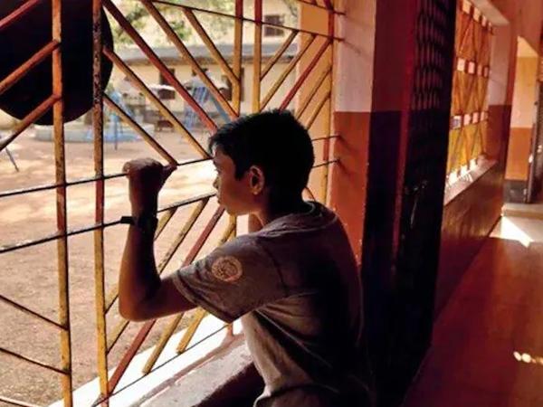 Chấn động: Một em bé 8 tuổi phải dọn dẹp nhà vệ sinh của trung tâm cách ly COVID-19, cảnh sát Ấn Độ mở cuộc điều tra
