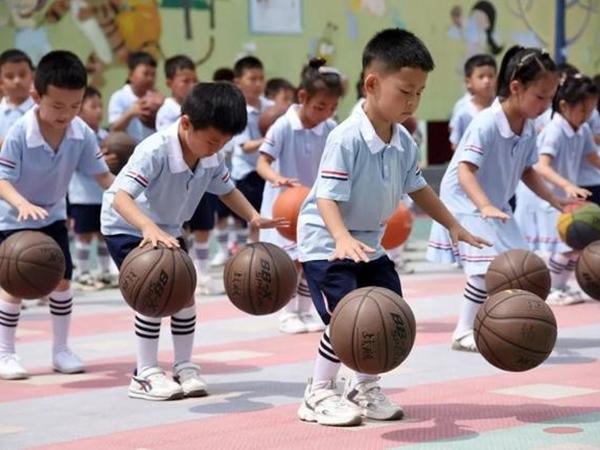 Công ty Trung Quốc mạnh tay thưởng khủng cho nhân viên sinh con thứ ba