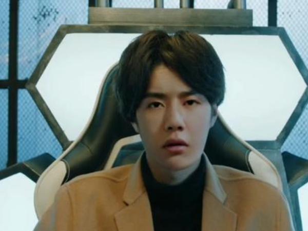 Fan hâm mộ hết hồn với gương mặt khác lạ của Vương Nhất Bác