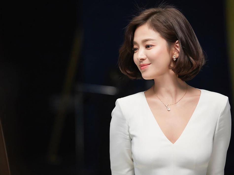 Jang Dong Gun tiết lộ Hyun Bin – Song Hye Kyo – Bi Rain từng vướng tình tay ba?