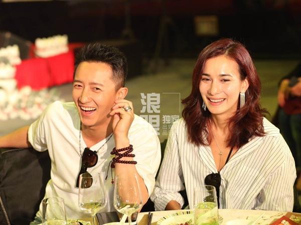 Cựu thành viên nhóm nhạc Super Junior bí mật kết hôn tại Hong Kong