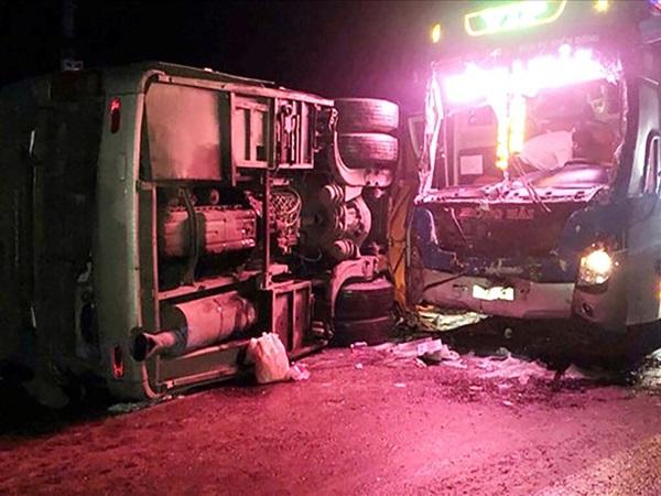 2 xe khách va chạm trên QL1 ở Bình Định khiến 14 người thương vong