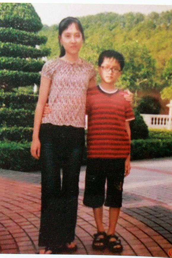 Nhan sắc không kém cạnh, cuộc sống êm đềm của chị gái ruột Tân Hoa hậu chuyển giới Hương Giang - Ảnh 2