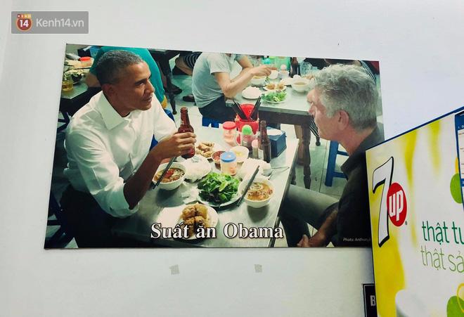 Bún chả Hương Liên gây xôn xao khi lồng kính bộ bàn ghế cựu tổng thống Obama từng ngồi, bà chủ nói gì? - Ảnh 1