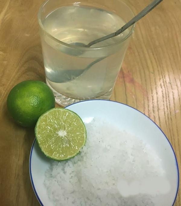 Pha 2 lít nước chanh muối để thay thế nước lọc uống hàng ngày, thanh lọc giải độc mát gan, eo bánh mì cũng thành eo con kiến - Ảnh 5