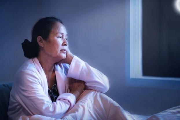 6 căn bệnh nguy hiểm sẽ 'ghé thăm' cơ thể nếu thường xuyên đi ngủ sau 11 giờ đêm - Ảnh 2