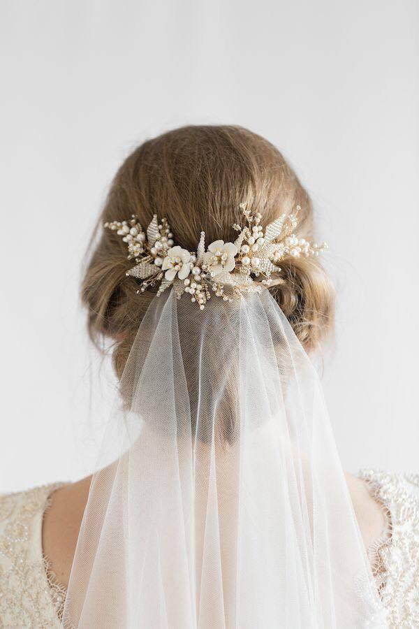 4 kiểu tóc cài hoa tươi cho cô dâu được yêu thích nhất 2017 - Ảnh 6