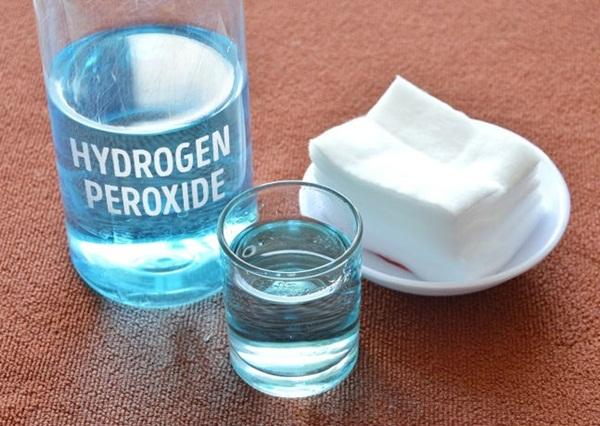 Súc miệng với oxy già theo cách này, mảng bám tự động bong ra hết sạch, cao răng cả năm không cần đi lấy nếu làm đều đặn 1 lần/tuần - Ảnh 3