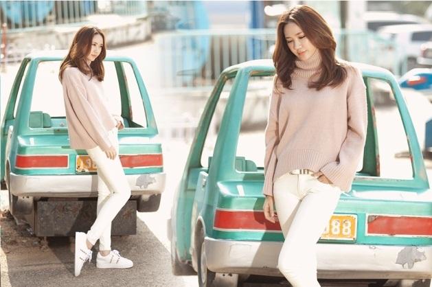 Những mẫu áo len cực sành điệu, hot nhất mùa đông này mà bất kỳ cô gái nào cũng không thể bỏ qua! - Ảnh 2